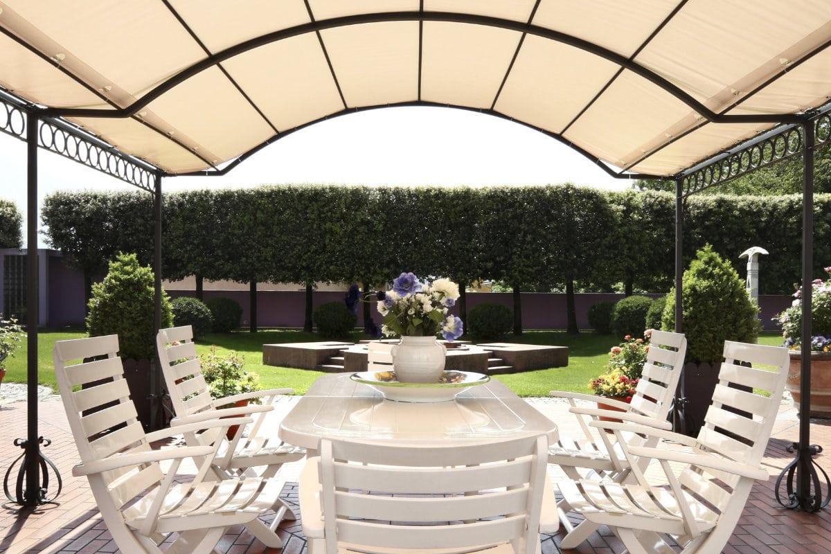 Moderne terrasoverkapping plaatsen materialen prijzen inspiratie - Ijzer terras ...